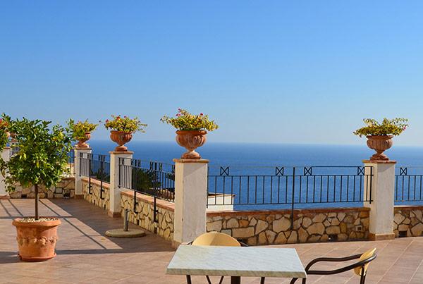 ITALIE : croisière Naples – Cote Amalfitaine – Iles Eoliennes – Sicile – Calabre